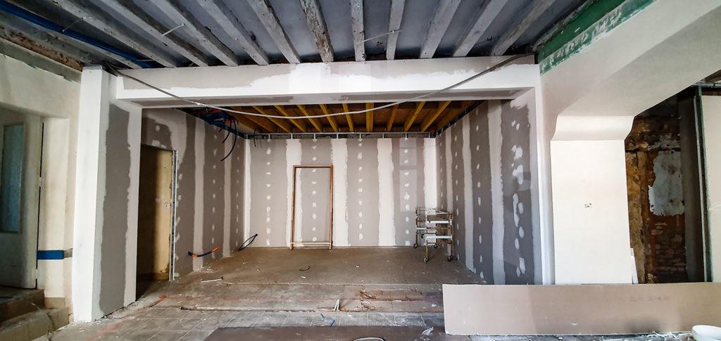 Un partie de la future boutique en cours de travaux aux Halles de Châtelais