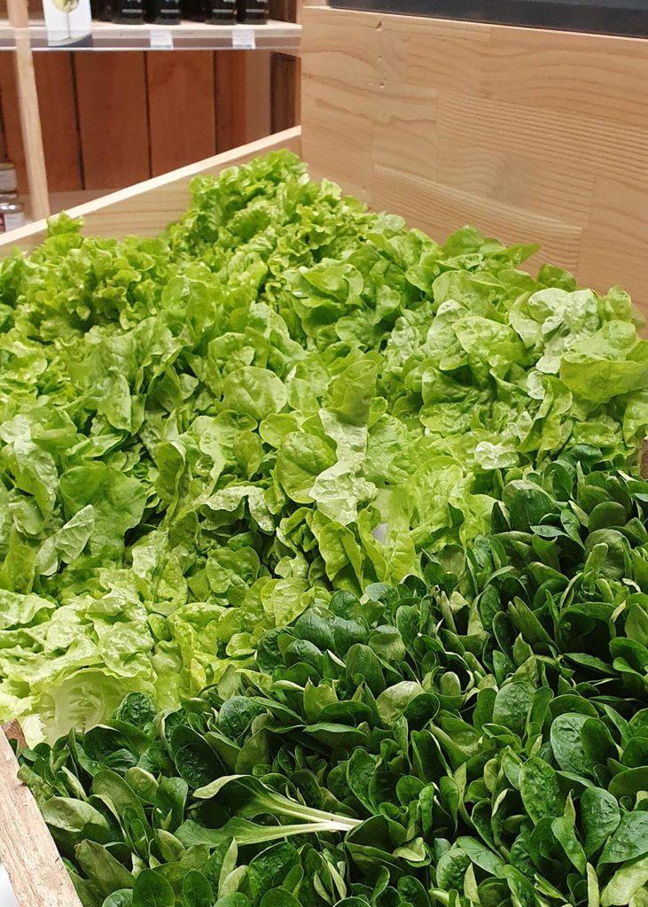 Les halles de châtelais, salades fraîches